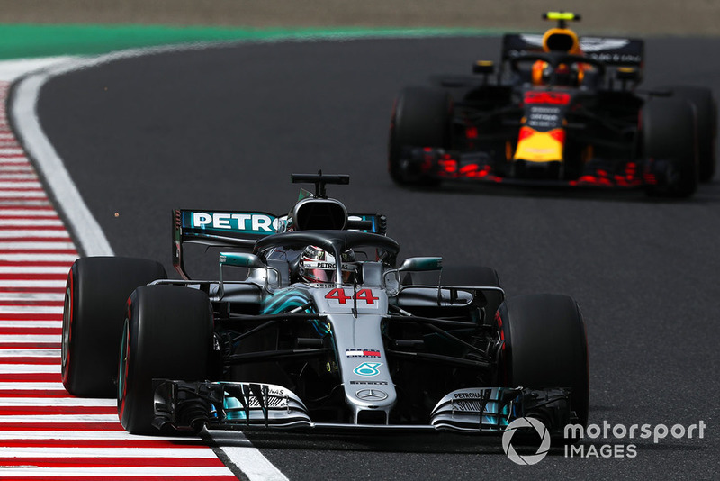 Lewis Hamilton, Mercedes AMG F1 W09 EQ Power+ and Max Verstappen, Red Bull Racing RB14
