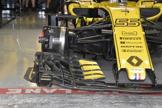 تفاصيل مقدمة سيارة رينو آر.اس18