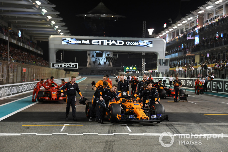 Механіки McLaren, Фернандо Алонсо, McLaren MCL33