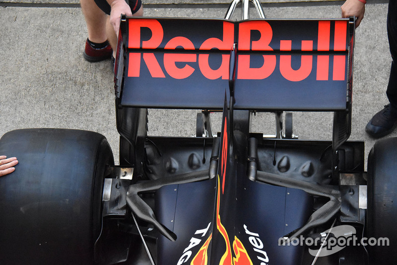 Red Bull Racing RB13 detail achterveugel