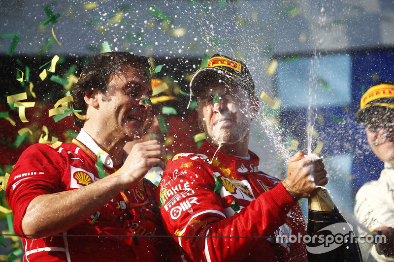Podium: winner Sebastian Vettel, Ferrari, Luigi Fraboni, Head of Power Unit Race Operation, Ferrari