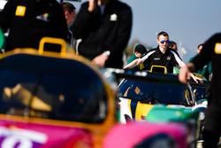 Team in pit lane