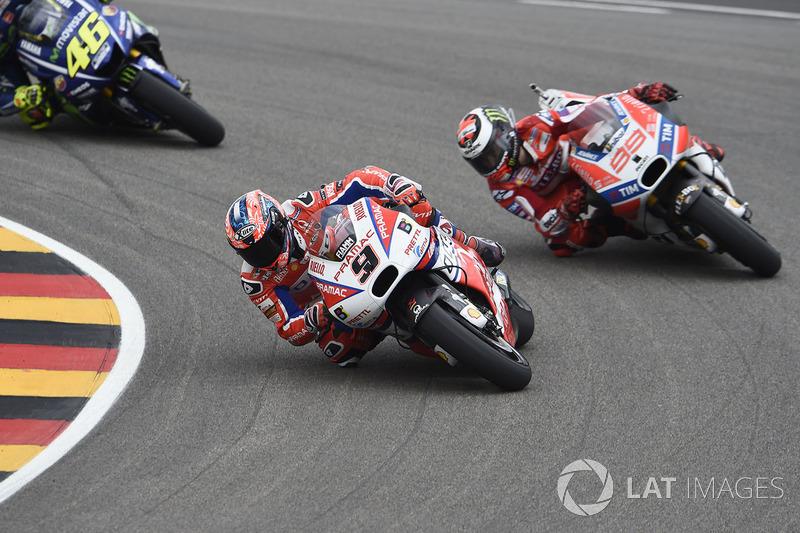 Данило Петруччи, Pramac Racing, и Хорхе Лоренсо, Ducati Team