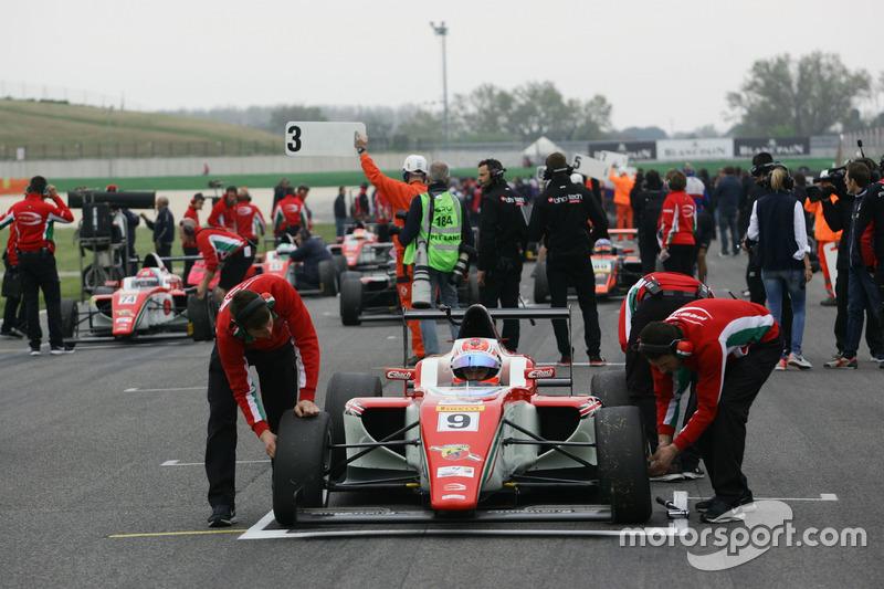 Marcus Armstrong, Prema Power Team in griglia di partenza