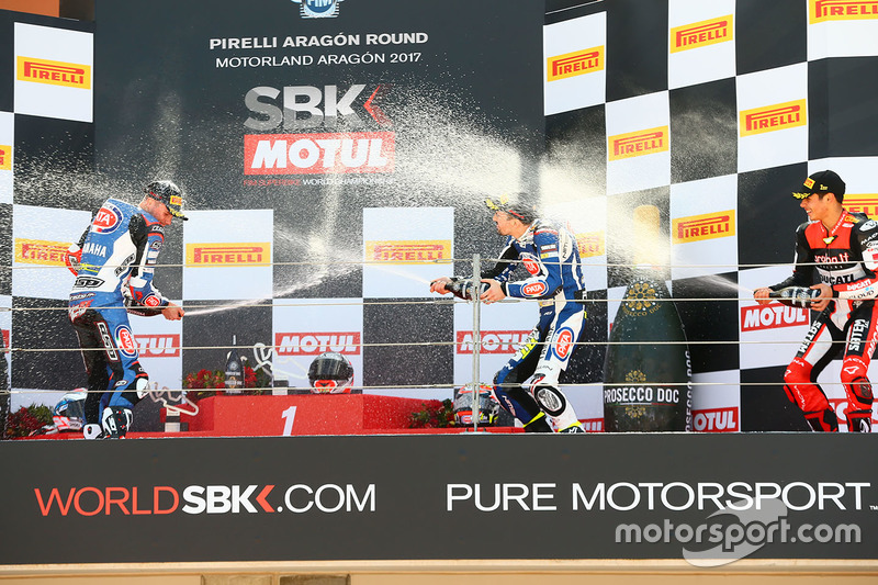 Podium: race winner Michael Rinaldi, Aruba.it Racing Junior Team, second place Florian Marino, Pata Yamaha Official STK 1000 Team, third place Roberto Tamburini, Pata Yamaha Official STK 1000 Team