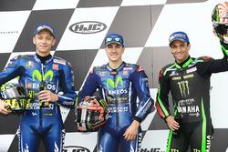 Top 3 des qualifications : le poleman Maverick Viñales, Yamaha Factory Racing, deuxième place Valentino Rossi, Yamaha Factory Racing, troisième place Johann Zarco, Monster Yamaha Tech 3