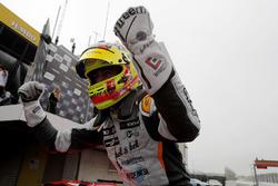 Ganador de carrera Mikel Azcona, PCR Sport Cupra TCR