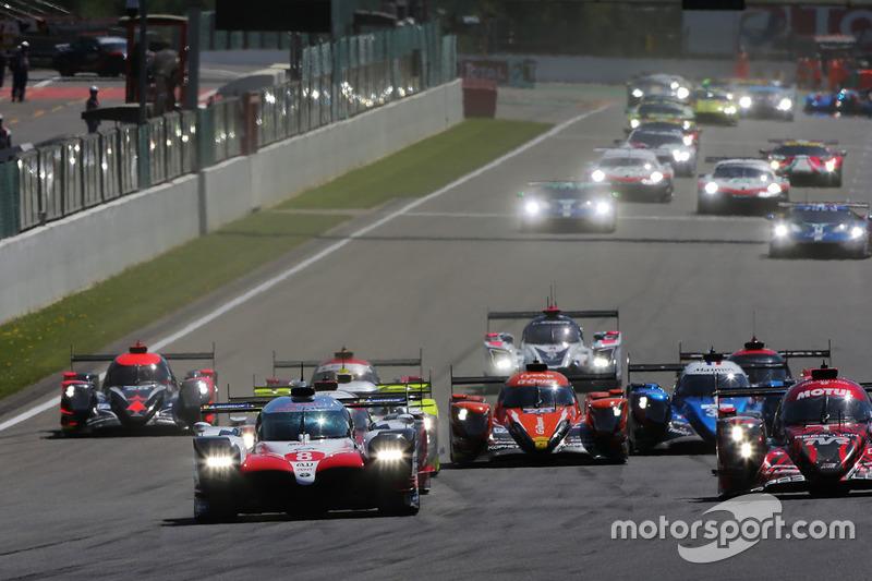 #8 Toyota Gazoo Racing Toyota TS050: Sébastien Buemi, Kazuki Nakajima, Fernando Alonso, en tête au départ