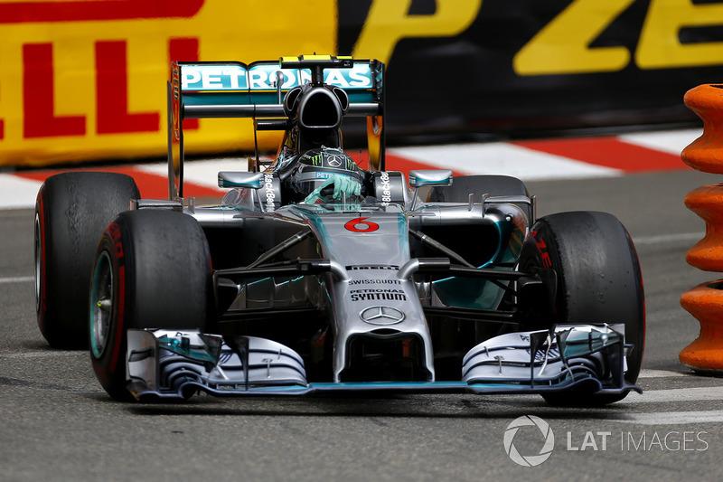 O ano de 2014 também não teve muita movimentação na parte da frente, já que Rosberg liderou Hamilton do começo ao fim da disputa.