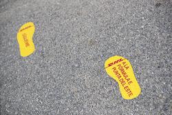 «Отпечатки ног» DHL