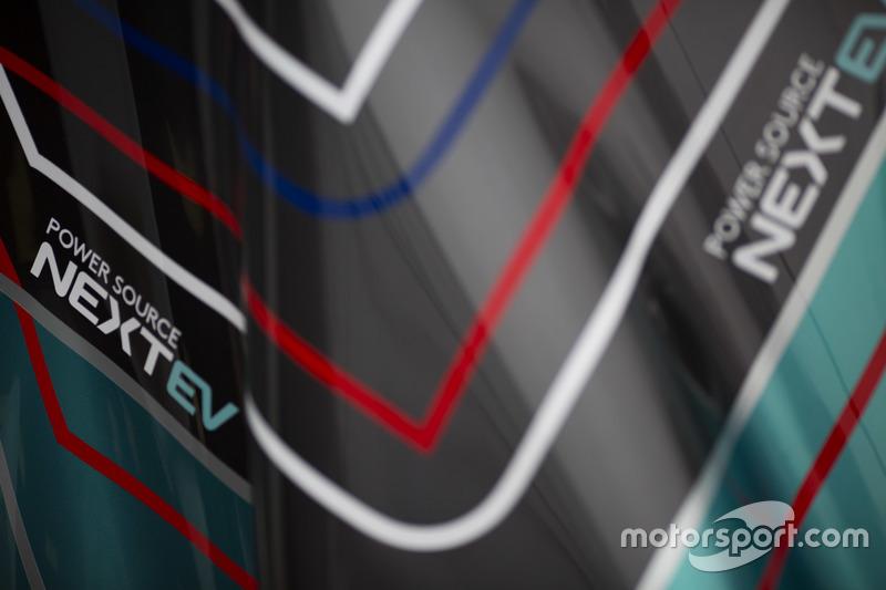 Grafica e cupolone del NEXTEV TCR Formula E Team