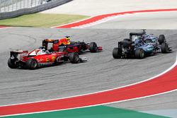 Lewis Hamilton, Mercedes AMG F1 W07 Hybrid, Daniel Ricciardo, Red Bull Racing RB12, Nico Rosberg, Me