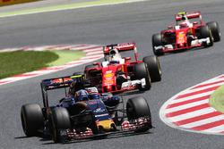 Карлос Сайнс мл., Scuderia Toro Rosso STR11