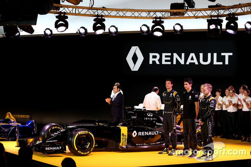 (L to R): Carlos Ghosn, Chairman of Renault with Jolyon Palmer, Renault F1 Team; Esteban Ocon, Renau