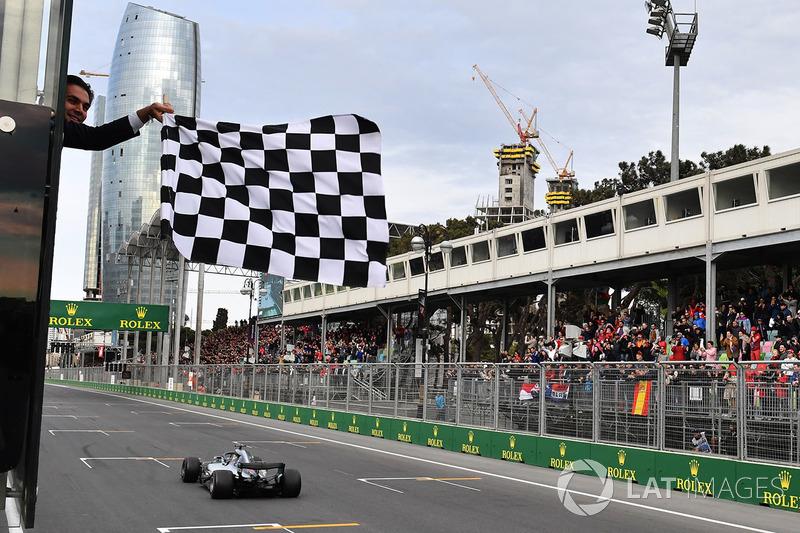 4. GP Azerbaijan - Pemenang: Lewis Hamilton