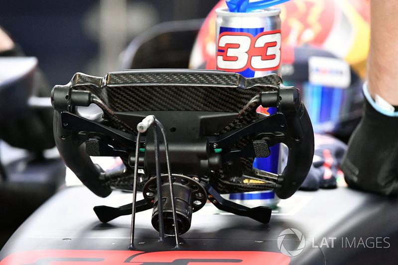 Max Verstappen, Red Bull Racing RB13 stuurwiel