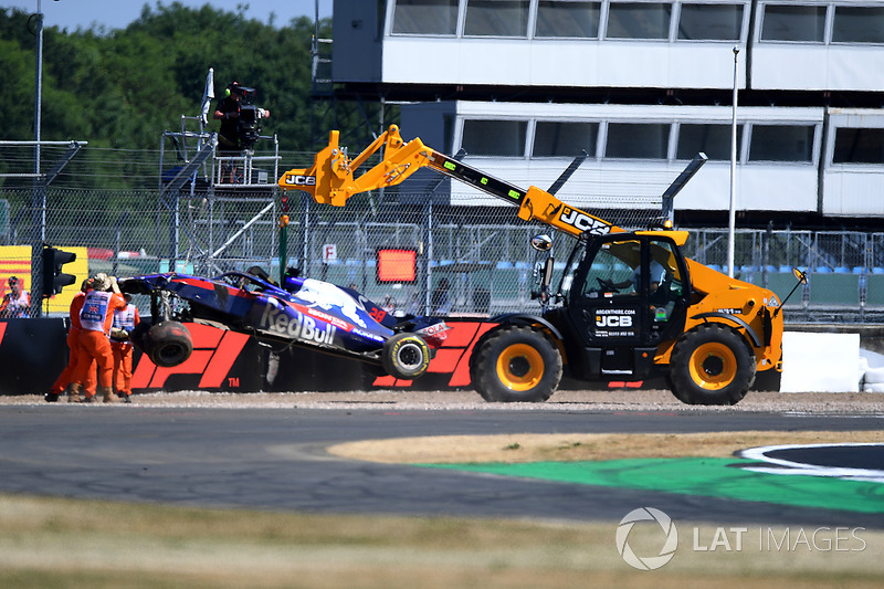 Brendon Hartley, Scuderia Toro Rosso STR13, dopo l'incidente