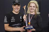 Переможець Валттері Боттас, Mercedes AMG F1, з дружиною Емілею