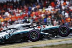 Льюіс Хемілтон і Валттері Боттас, Mercedes AMG F1 W09