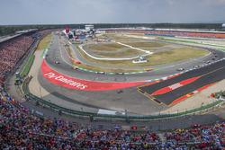 Fernando Alonso, McLaren MCL33, Sergio Perez, Force India VJM11 y Lewis Hamilton, Mercedes AMG F1 W09