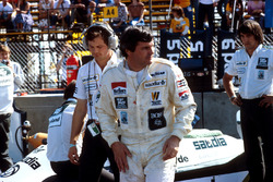 Alan Jones, Williams, con Frank Dernie detrás