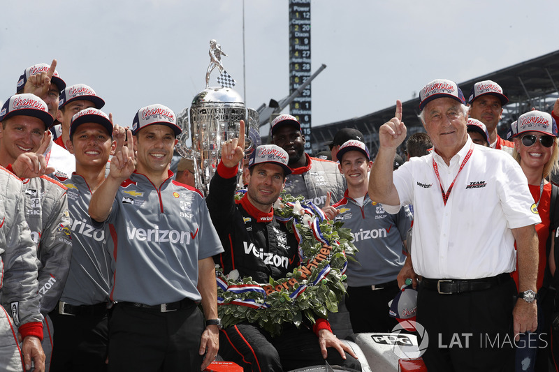 Winner Will Power, Team Penske Chevrolet, podium, Victory Lane, team, Roger Penske, David Faustino