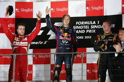 Podio: il vincitore Sebastian Vettel, Red Bull Racing, il secondo classificato Fernando Alonso, Ferrari, il terzo classificato Kimi Raikkonen, Lotus F1 Team
