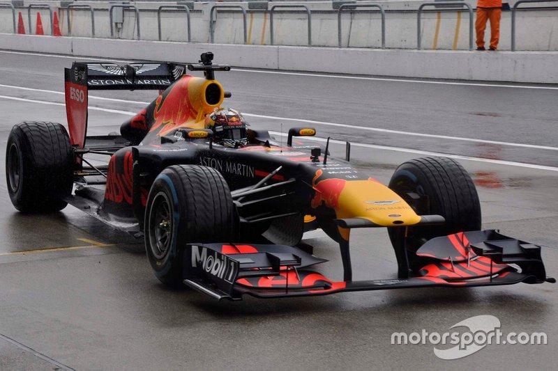 Dan Ticktum jajal mobil F1 Red Bull RB7