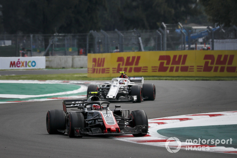 Romain Grosjean, Haas F1 Team VF-18 and Charles Leclerc, Sauber C37