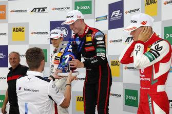 Podium: Race winner Jüri Vips, Motopark Dallara F317 - Volkswagen