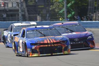 Chase Elliott, Hendrick Motorsports, Chevrolet Camaro SunEnergy1, Denny Hamlin, Joe Gibbs Racing, Toyota Camry FedEx Ground