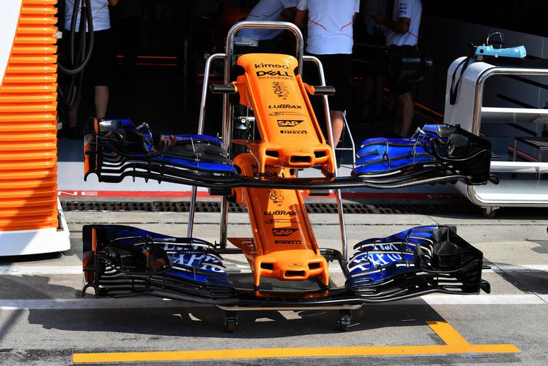 Nez et ailerons avant de la McLaren MCL33