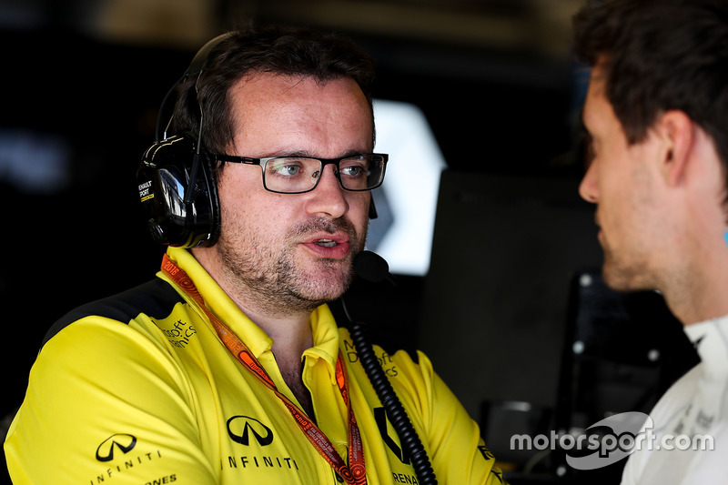Jolyon Palmer, Renault Sport F1 Team con Julien Simon-Chautemps, Renault Sport F1 Team carrera Ingeniero