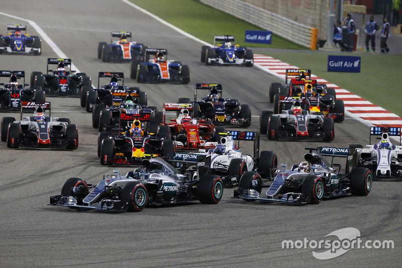 Start: Nico Rosberg, Mercedes AMG F1 Team W07, führt