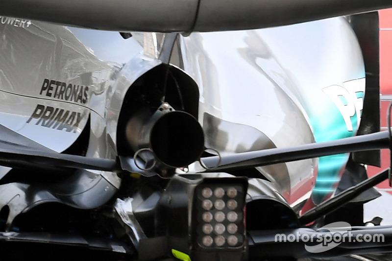 Выхлоп Mercedes F1 W08