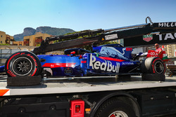 The car of race retiree Daniil Kvyat, Scuderia Toro Rosso STR12 is recovered