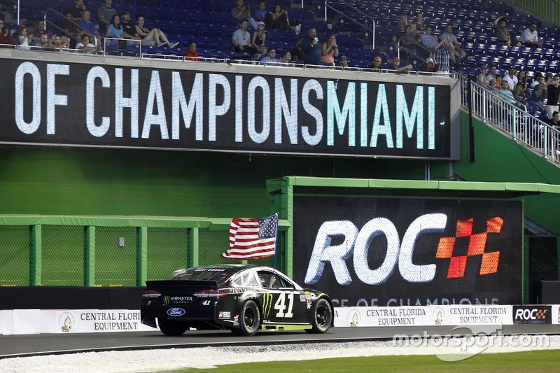 Kurt Busch en su Stweart-Haas Ford