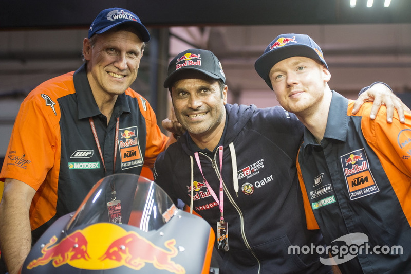 Bradley Smith, Red Bull KTM Factory Racing, mit Nasser Al-Attiyah, Rallyefahrer