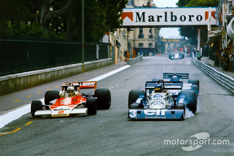 Jochen Mass, McLaren M23 Ford, double Ronnie Peterson, Tyrrell P34 Ford, avec Mario Andretti, Lotus 78 Ford, en chasse