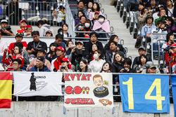 Fans with a message for Daniil Kvyat, Scuderia Toro Rosso