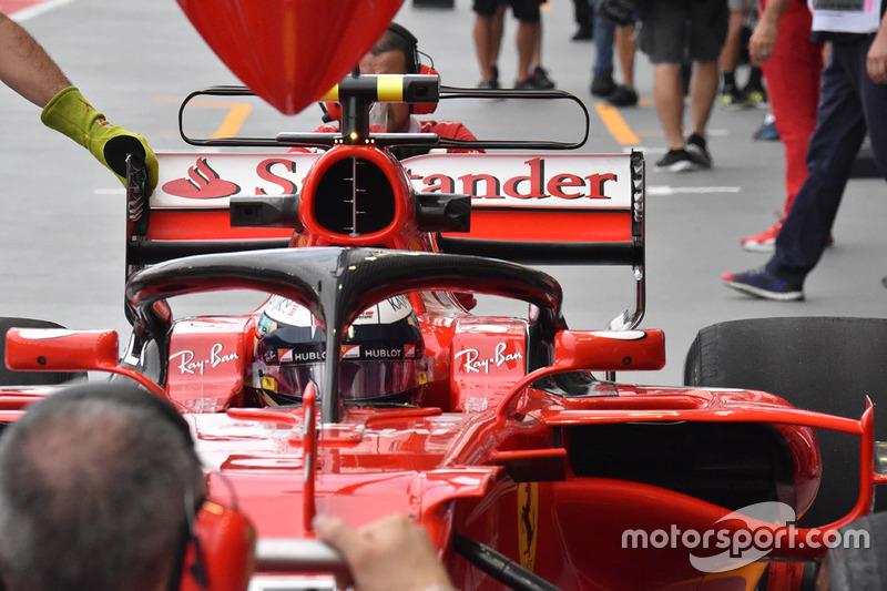 Kimi Raikkonen, Ferrari SF70H con el halo