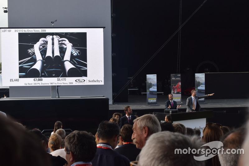 """Двигун V12 Ferrari 312 на благодійному аукціоні """"Зберегти дітей"""""""