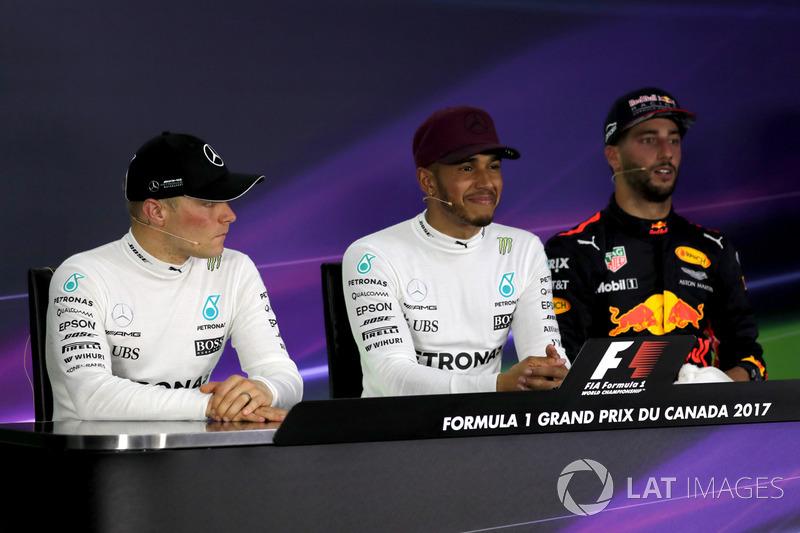 Победитель Льюис Хэмилтон, второе место – Валттери Боттас, Mercedes AMG F1, третье место – Даниэль Р