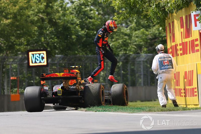Max Verstappen (Red Bull) retires from the race