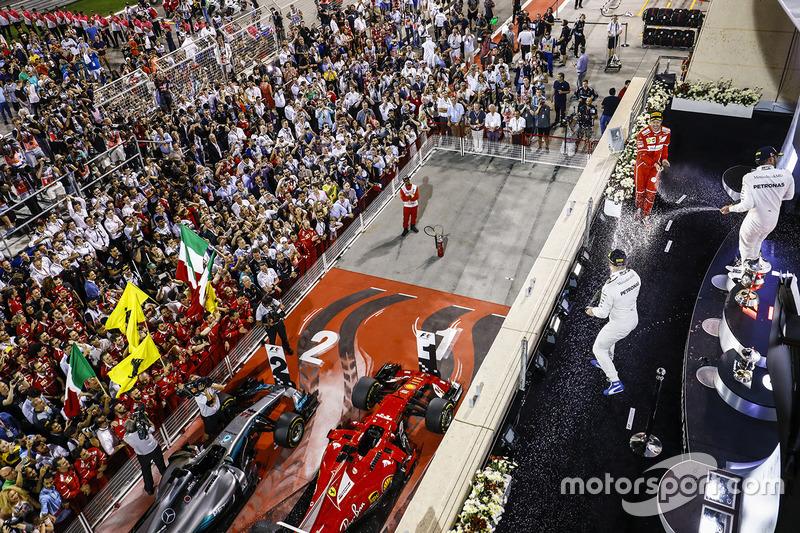 10. Podio: ganador de la carrera Sebastian Vettel, Ferrari, segundo Lewis Hamilton, Mercedes AMG F1, y tercero Valtteri Bottas, Mercedes AMG F1