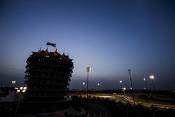 La noche llega a circuito y la carrera
