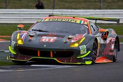 #61 Clearwater Racing, Ferrari 488 GTE: Mok Weng Sun, Matt Griffin, Keita Sawa
