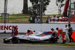 Felipe Massa, Williams FW40 stopped in the second practice session