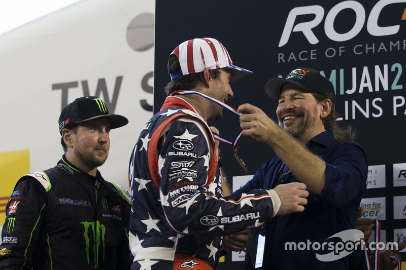 Travis Pastrana y Kurt Busch, en el podio