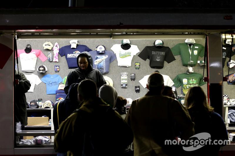 Merchandise te koop